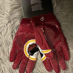 Rare Washington Redskins Football Gloves - XXl